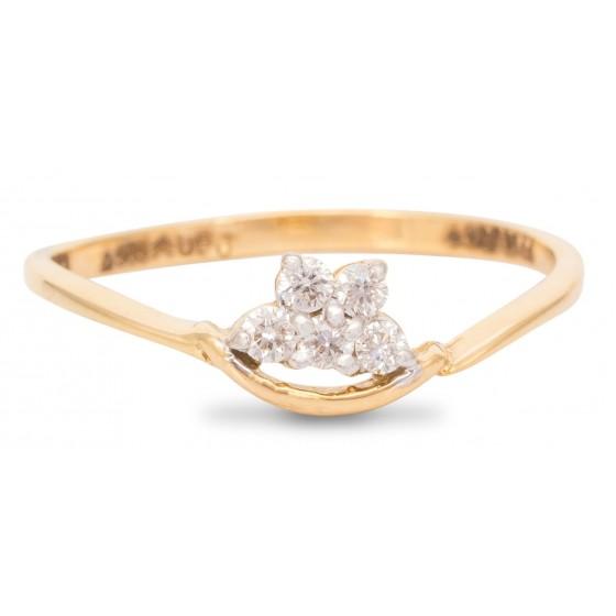 Wardrobe friendly Diamond Ring