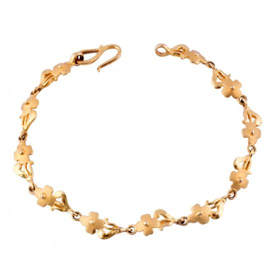 Engrossing Facination Gold Bracelet
