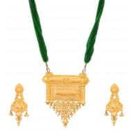 Jayashree Gold Pendant Set